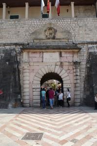 Tor in der Stadtmauer von Kotor