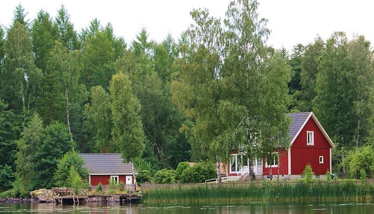 einsames ferienhaus am see wie wir unser perfektes ferienhaus in schweden finden. Black Bedroom Furniture Sets. Home Design Ideas