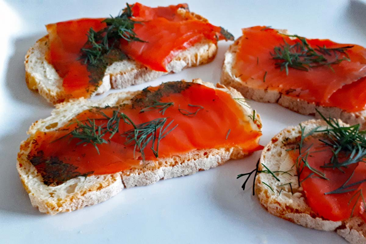Kalte Gurkensuppe Lachs Canapes