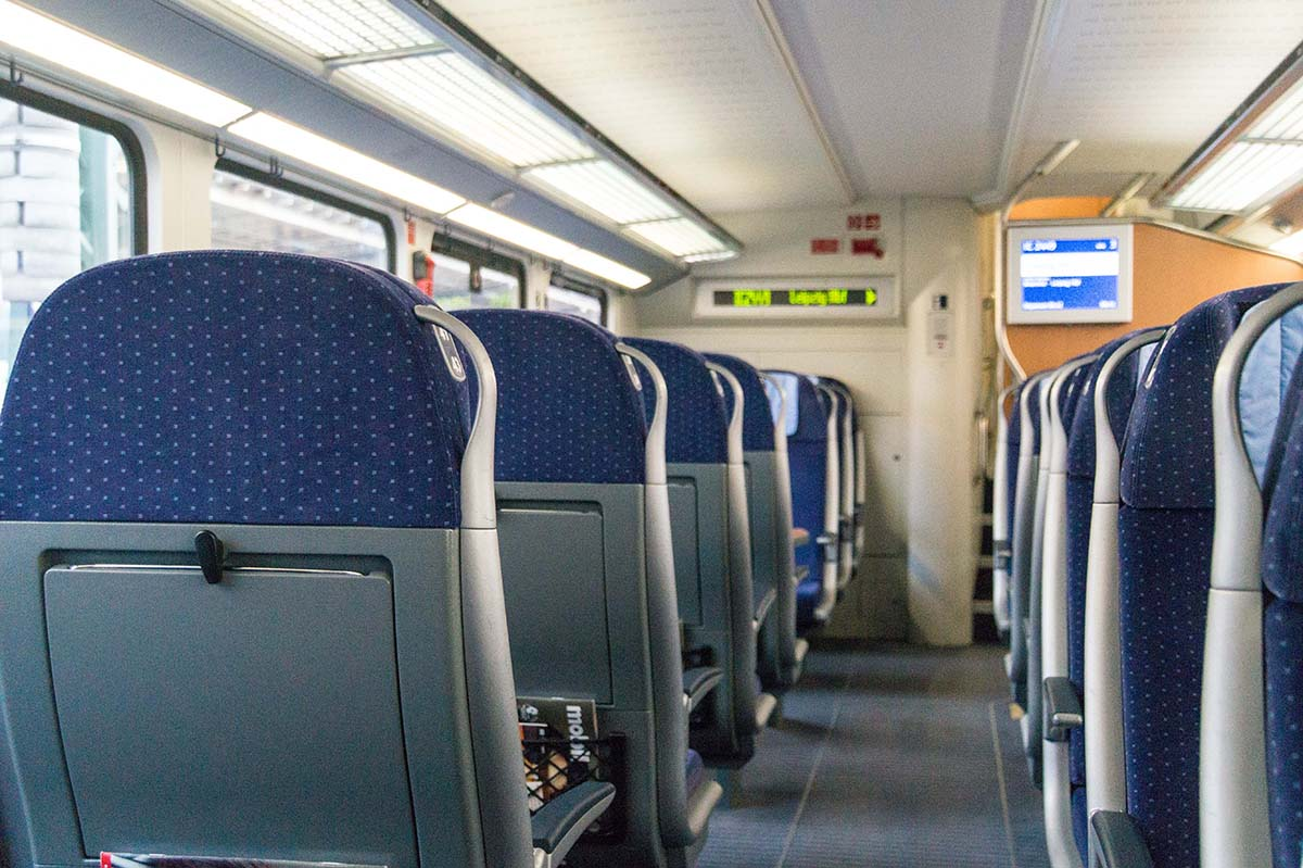 Mit dem Zug nach Prag – Tipps von Fahrkartenkauf bis Entschädigungsanspruch