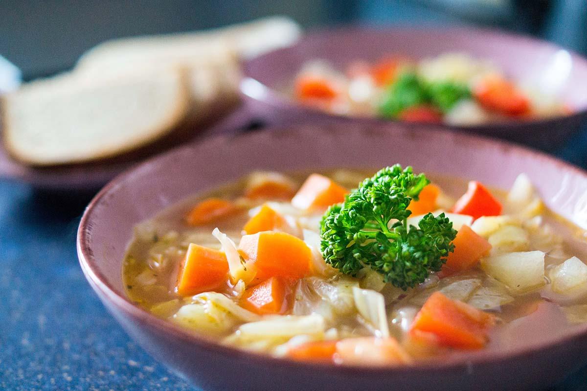 Spitzkohleintopf – vegetarisch oder mit Fleisch
